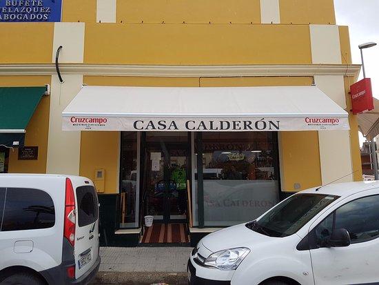 Burguillos, Spain: Front Entrance