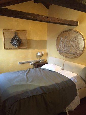 Residence Palazzo Odoni: Main bedroom