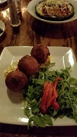 Fratello's Italian Tavern: polenta and crap rolled into a ball and deep fried