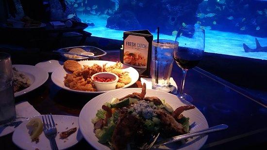 Aquarium Restaurant: DSC_0116_large.jpg
