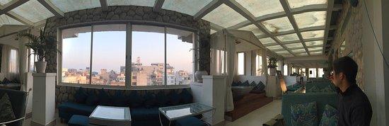 Gaju Suite Hotel: Breakfast floor