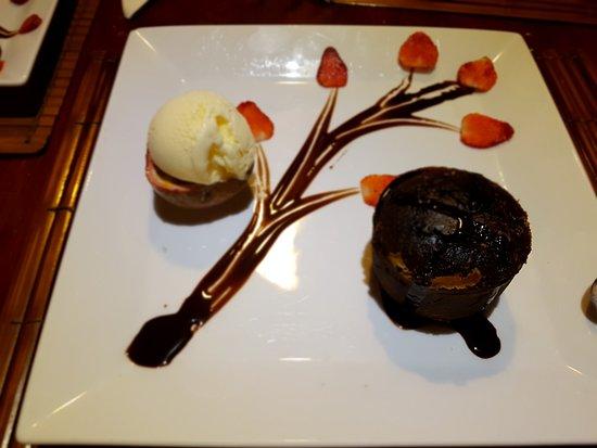Pandanus Resort: Chocolate Lava Cake