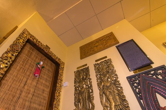 cinderella hotel interior decoration with myanmar traditional culture touch - Traditional Hotel Decoration