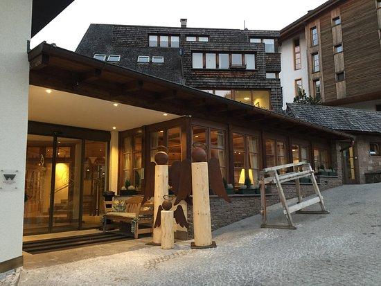 Photo of Posta Zirm Hotel Corvara