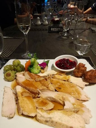 thong dee the kathu brasserie christmas dinner turkey