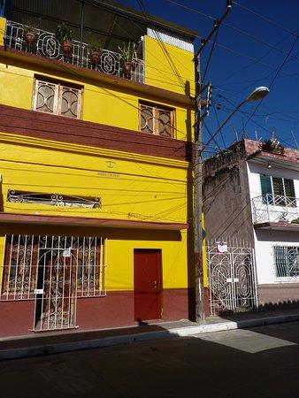 Casa espana fernando y lili updated 2017 guesthouse reviews price comparison bayamo cuba - Hotel casa espana villaviciosa ...