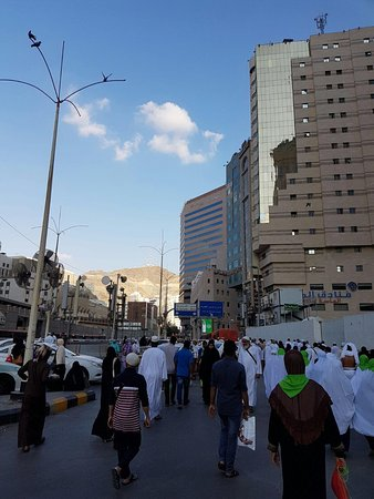 Le Meridien Makkah: about 150m away to and from hotel to masjidil haram