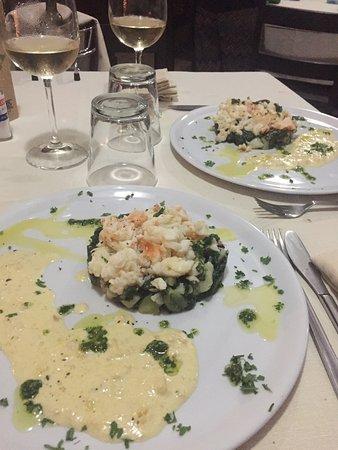 El Girasol: Un repas de noël excellent ! Carpaccio de saumon parfaitement assaisonné et homard sur lit d'épi