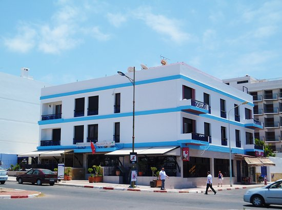 Hotel des Palmiers: Hotel 'Les Plamiers', AGA - Straßenseite 06-2016