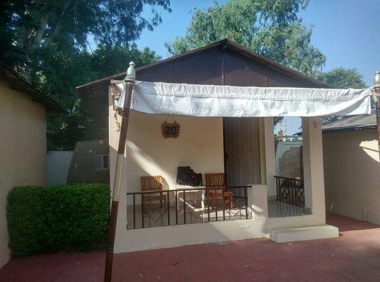 Entrance - Hotel Shani Vilas Photo