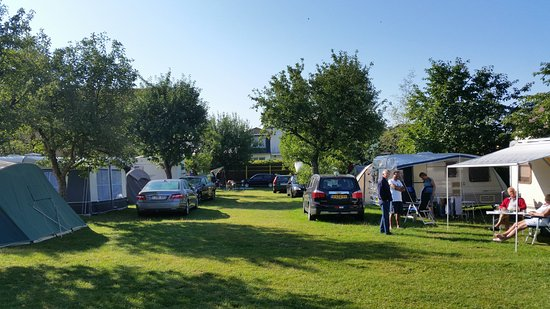 Pension Camp Prager: Camping in achtertuin/boomgaard