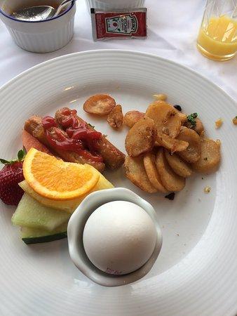 Auberge des Falaises: Déjeuner classique, mais très bon!