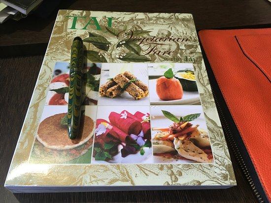 The Gateway Hotel Beach Road: TAJ Coffee Table Book