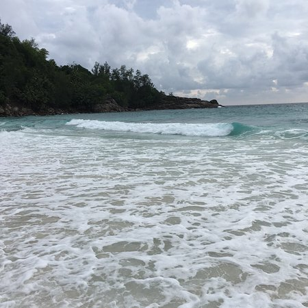 Anse Intendance: Amazing beach. We felt comfortable with the waves but were warned to be careful. The drive to th