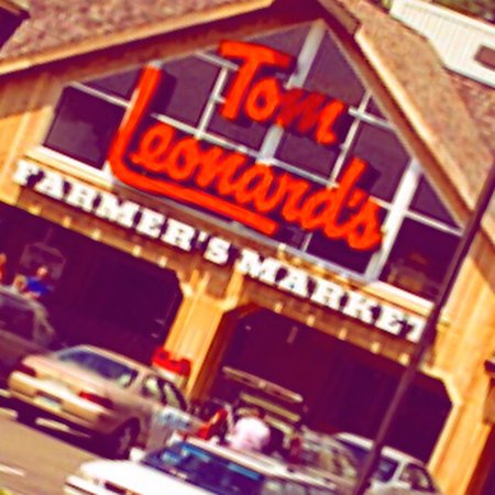 Tom Leonard's Farmer's Market