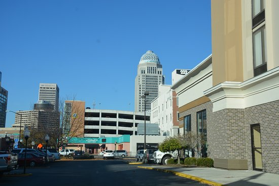 Hampton Inn Louisville Downtown Picture