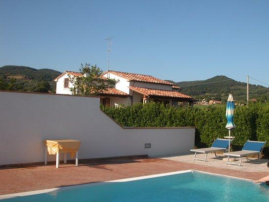 Semproniano, Italy: piscina