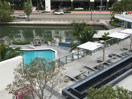 Pool Area Bild Von The Gates Hotel South Beach A Doubletree By