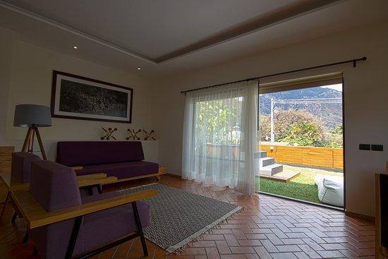 Casa Fernanda Hotel Boutique: Habitaciòn Master Suite, drisfruta de su amplitud y relajate en su terraza empastada