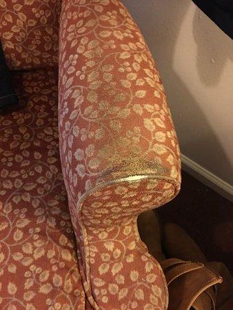 "Willard, OH: Room 109-- ""non-smoking,"" but smelled of smoke; leaking sink; dirty furniture; ripped carpet; ou"