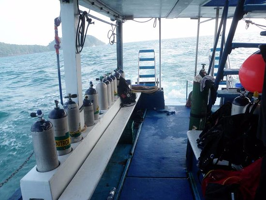 """Scuba Cat Diving - Soi Watanna Shop and Classrooms : The """"dive deck"""" with its row of tanks ready for use."""