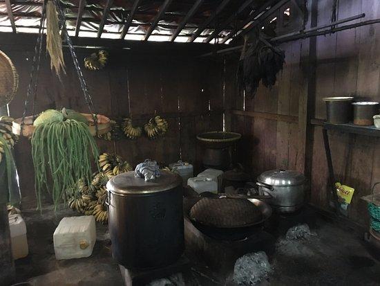 Warung Kopi Klotok Suasana Dapur Traditional