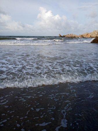 Penunjuk Beach: Penunjuk Beach