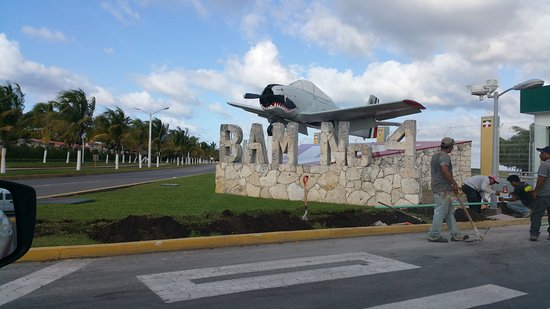 Safe Tours Cozumel: Air force WII plane