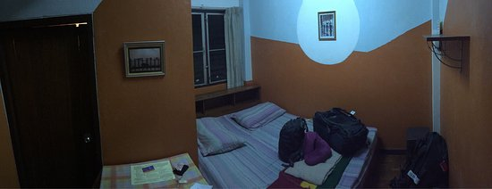 Vida Guesthouse: VERY BASIC room.