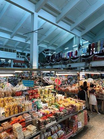 Tonlamyai Market