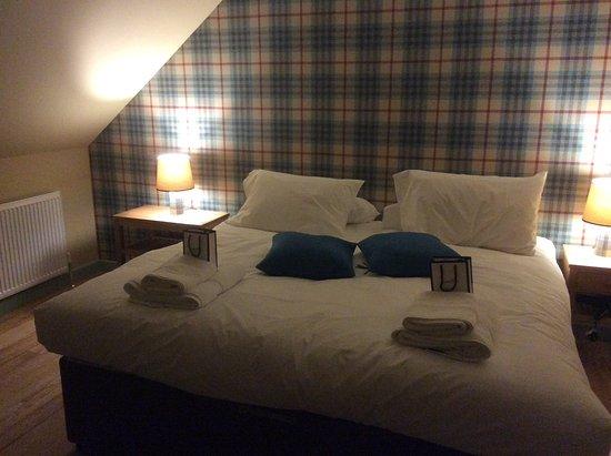 Dornie, UK: Bedroom Loch Alsh Apartment