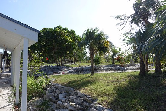 Exuma Vacation Cottages: Outside cabin