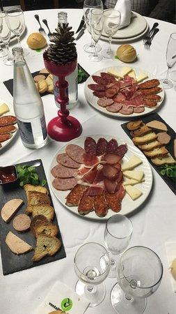 Sangonera La Seca, İspanya: Comida de Navidad ! Raciones algo escasas ! Croquetas de bacalao no me gustaron nada ! Por lo de