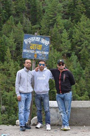 Sangla, Indie: Last Dhaba at Chitkul.....