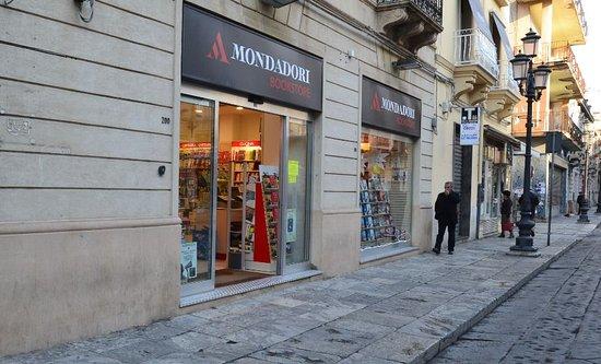 il corso e i suoi negozi - Foto di Corso Garibaldi, Reggio Calabria ...