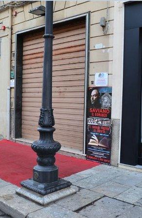 cheap for discount 9a6e2 e73f5 il corso e i suoi negozi - Foto di Corso Garibaldi, Reggio ...