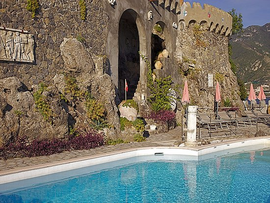 Villa scarpariello relais b b reviews ravello italy for Hotels in ravello with swimming pool