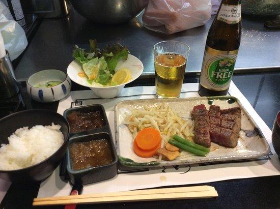 Steak House Satou : 月膳のステーキは好みのレアでいただきました