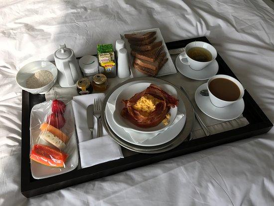 Hotel Unique: Desayuno en la habitación