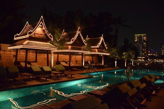 โรงแรมเพนนินซูล่า กรุงเทพ: Pool