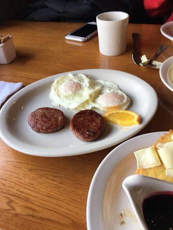 Prescott Valley, AZ: Perfect eggs with sausage