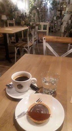 Kolin, Tsjekkia: Americano, tartaletka se slaným karamelem