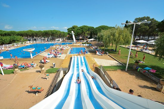 Cypsela Resort
