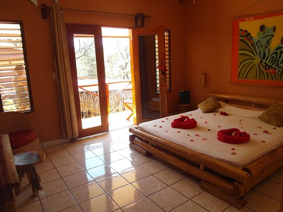 Samara Palm Lodge: Double room with A/C upstairs