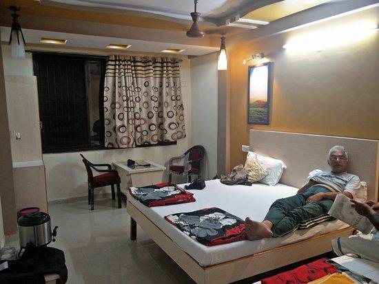 Hotel Dwarkesh Inn