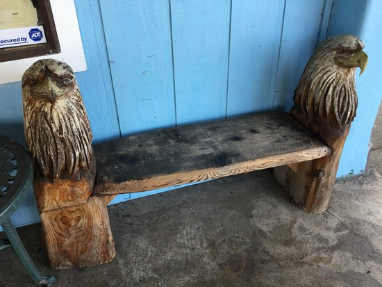 Charlie's Chowder House: Eagle bench is awesome.