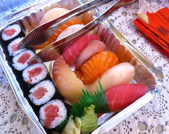 Greenfield, MA: Very fresh take-out sushi!