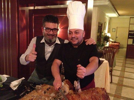 """Hotel Forum: Il """"grande"""" chef Simone con una porchetta senese da FAVOLA!"""