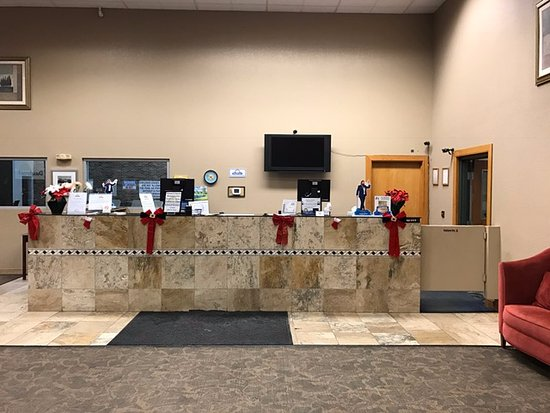 Days Inn Bloomington West: Front Desk