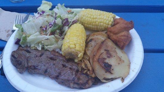 Pine Grove, Californie : Saturday night cowboy steak dinner - with music, dancing, stories, etc